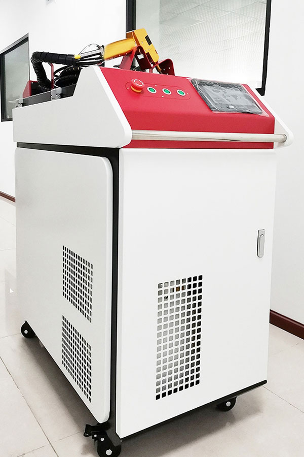 Maşini manuale de sudură laser